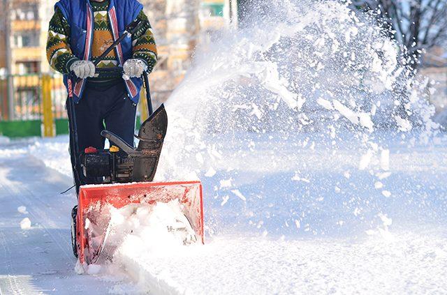 Snow Blower Maintenance Tips