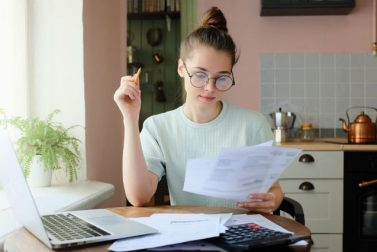 Reasons to Refinance Student Loans: Pros and Cons
